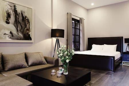 Two Bedroom Family Suite With Bathtub - Hanoi - Villa
