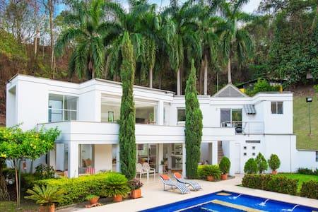 Casa campestre a 90 min de Bogota - Villa