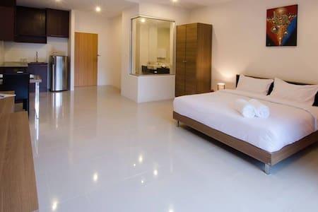Studio room 619 Condo near beach - Karon - Ortak mülk