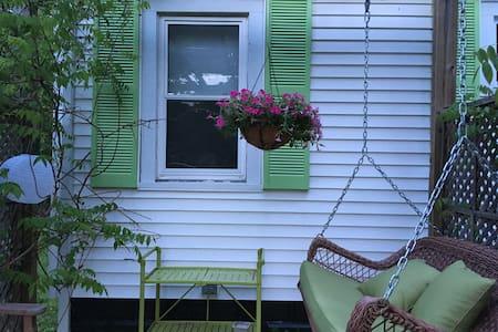 Idyllic Pine House - Appartamento