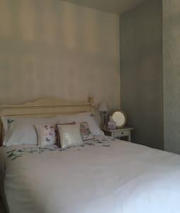 Victorian boutique style room - Bath - Casa