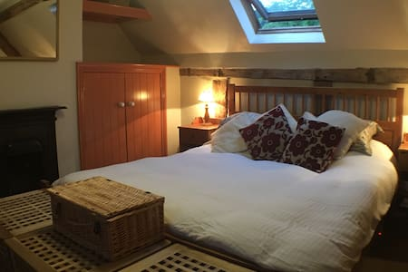 Peaceful English country cottage - Tenbury Wells