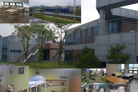 군산 서천군 장항읍 힐링캠프 게스트하우스&펜션 - Janghang-eup, Seocheon-gun - Gæstehus