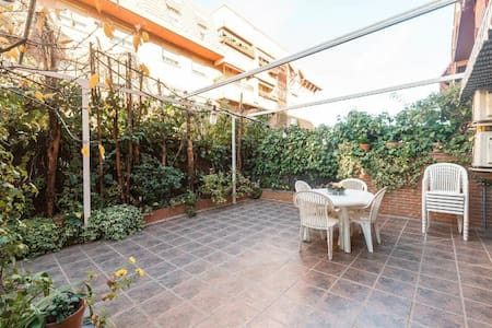 NICE FAMILY APARTMENT 120SQ. METER - Madrid - Hus