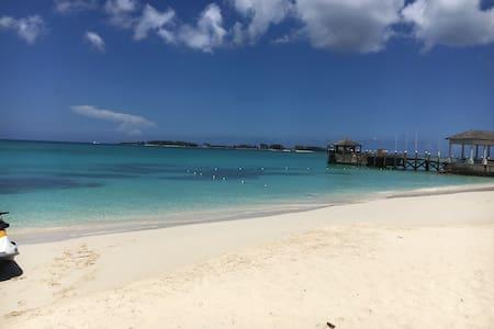 "Cozy Condo in ""Chardor West"" - Nassau - Lyxvåning"