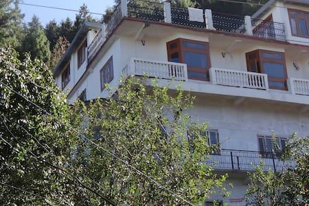 Tanijubbar Heights - Shimla - Dom