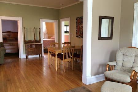 Enjoy Downtown Marquette Living! - Apartamento