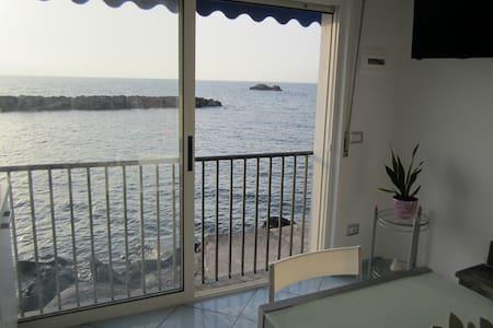 Suite Stella Maris a soli 2 metri dal mare - Massa Lubrense - Casa