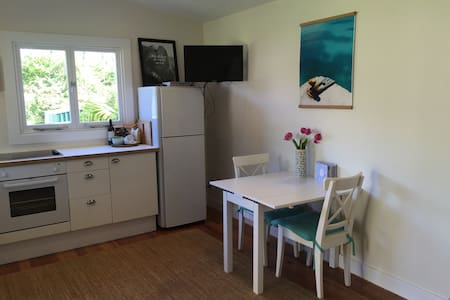 Mona Vale Beach Cottage - Guesthouse