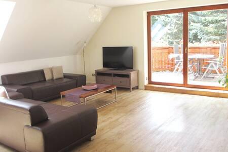 Luxus Ferienwohnung mit Balkon - Apartamento