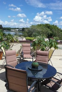 Scenic WATER FRONT CONDO (on 700 acre Lake) - Condominium