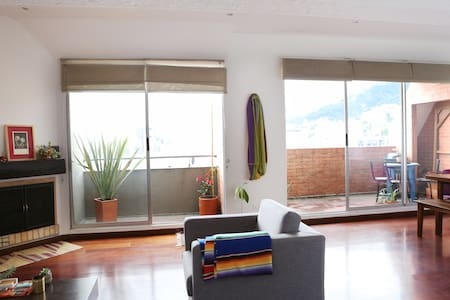 Sunny 2-level penthouse with spectacular view! - Bogotá - Appartement