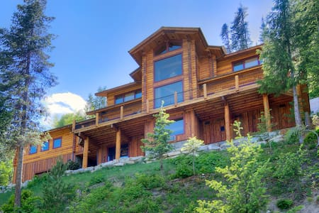 MIRACLE LODGE - Luxury home with hot tub! - Leavenworth - Cabanya
