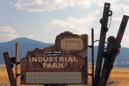 John Day Industrial Park / RV Site - John Day - Camper/RV