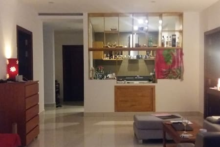 Spacious room & private bathroom - Phnom Penh - Pis