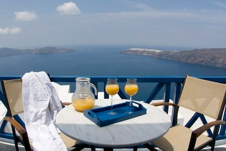 Private Suite with King size bed and Caldera Views - Imerovigli