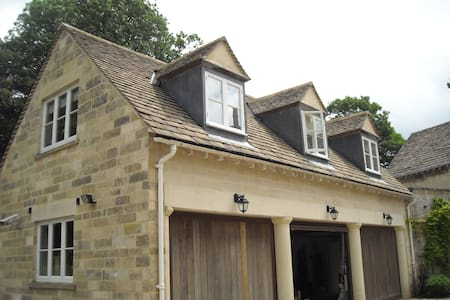 Self contained studio apartment - Pitchcombe, Stroud