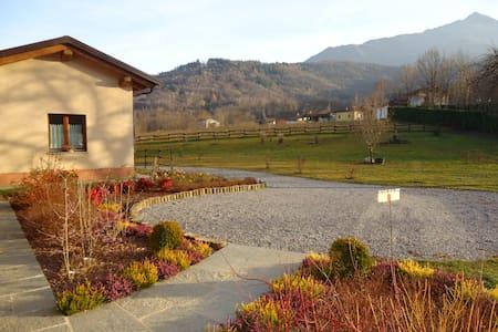 Piccola dependance nel verde - San Giovenale - Bed & Breakfast