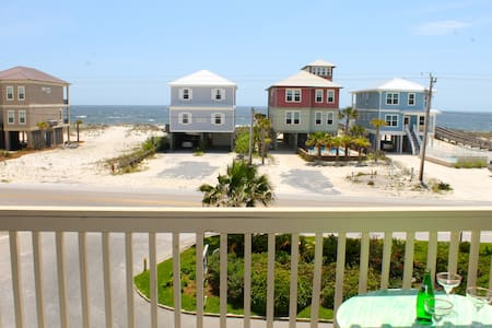 *** Ocean View condo *** with Pool & Lagoon access - Apartment