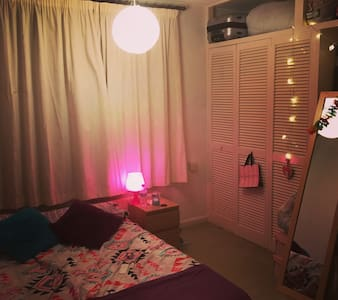Double room available in clean and friendly house - Talo