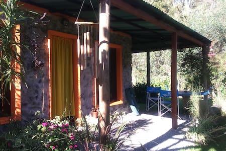 Cabaña de Piedra, muy cerca del mar - Sauce de Portezuelo