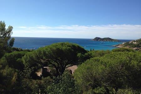 Villa Escalet vue sur mer unique - House