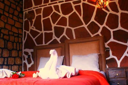 Chambre Confortable  avec piscine - Bed & Breakfast