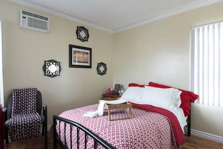 One Bedroom & Private 3/4 BA shower - Gardena