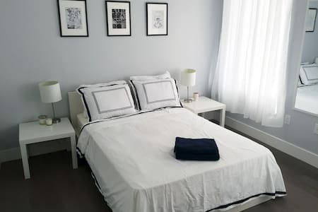 Bedroom 1  in Large Apartment in Heart of New York - New York - Apartment