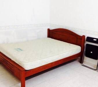 Low Quality Apartment Penang - Tanjung Bungah - Ortak mülk