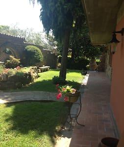Villa unifamiliare, panoramicissima - Haus