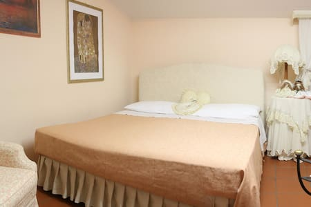 Double Room With Hot Tube - Bed & Breakfast