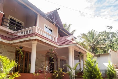 Benaka Homestay for families and couples - Maldare - Bed & Breakfast