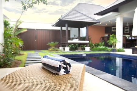 luxury Private Pool Villa in legian - 別荘