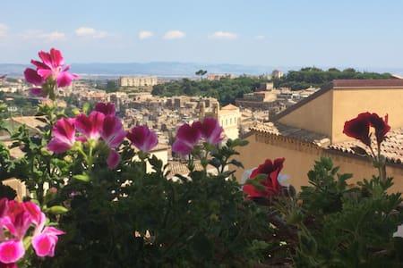 Appartamento con vista spettacolare - Caltagirone - Apartment