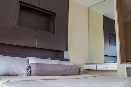 Great Views Comfort & Convenience - Bangkok - Apartment