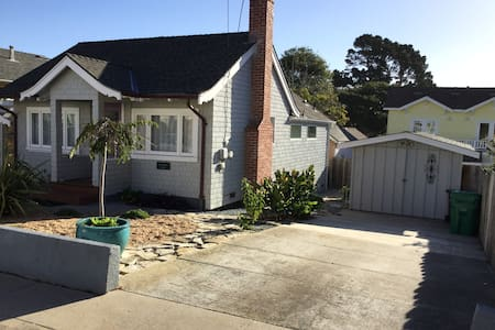 Kate's Beach Cottage - 太平洋叢林(Pacific Grove)