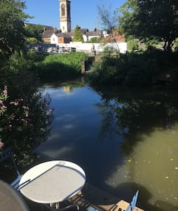 Charming river backing house - Oxford - Townhouse