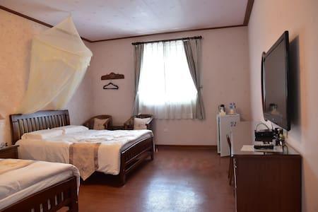 歐風雅致四人套房 - Jiji Township - Bed & Breakfast