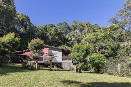 Turmeric Gardens: Piccabean Cottage - Palmwoods