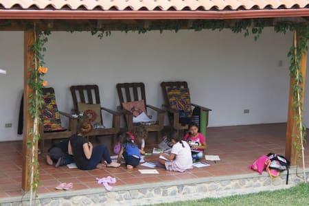 Casa Cakchiquel - La Condesa - Panajachel - House