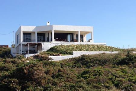 Villa  avec vue panoramique face à la mer ,Metline - Haus