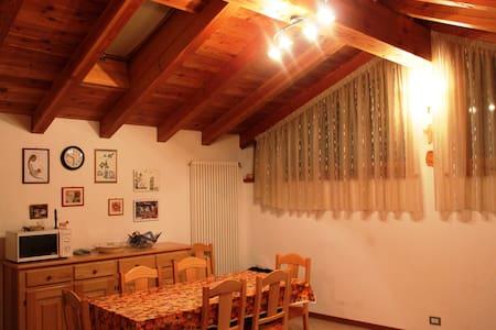 Casa indipendente in Arcesaz-Brusson - Rumah