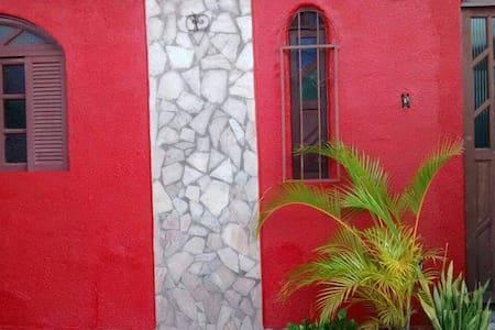 Alugo casa em conceição de salinas - Salinas da Margarida
