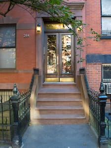 A stunning floor-through apartment on a prime block in Cobble Hill.  Access to great restaurants, markets and shopping stores.  Subway is located at the end of the block, only 3 stops from Manhattan. Building is family oriented.