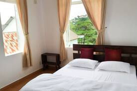 Picture of Stay calm in Garden view room.