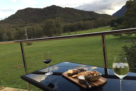 Halls Gap Getaway Two - Townhouse