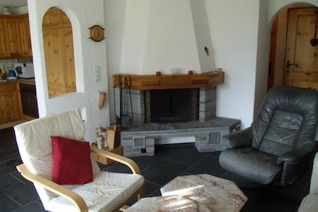 Cosy, 2 Bedroom Apartment, Falera (Surselva) - Apartment