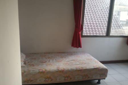 Single Private Room - Kemayoran - Apartment