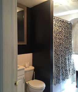 ComfortableApt-10minNYC-TimesSquare - Union City - Apartamento